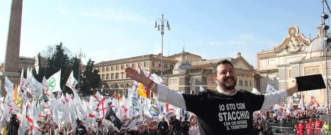 Salvini: «Alle Politiche da solo. Sull'Europa, Forza Italia è con Renzi»