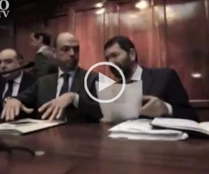 L'Isis e il Raccordo bloccato: Marino se la ride, Alfano lo gela (Video)