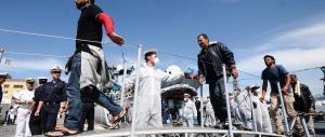 Lo stop di Maroni: «Basta clandestini in Lombardia, ne abbiamo già troppi»