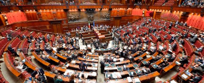 """Vitalizi, la Camera approva l'abolizione. Meloni: """"Il nostro sì per rispetto degli italiani"""""""