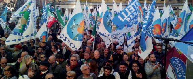 """""""Difendiamoci"""": bagno di folla per la Meloni a Venezia. Le immagini dell'evento"""