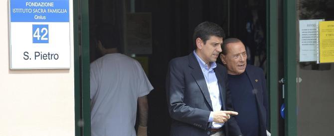 Berlusconi di nuovo alla Sacra Famiglia: «Voglio continuare ad aiutare»