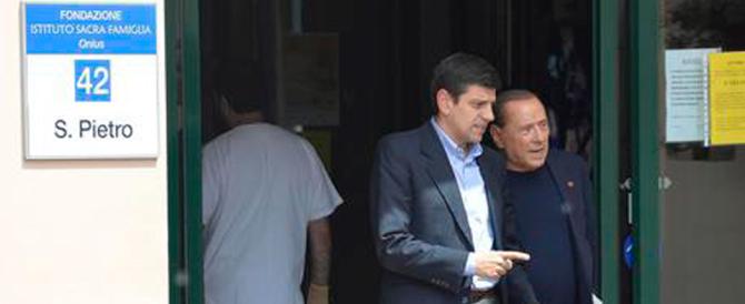 Berlusconi torna alla Sacra Famiglia: «Voglio dare una mano»