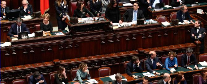 FI divisa: 17 deputati contro la nuova linea. È la vendetta di Verdini?
