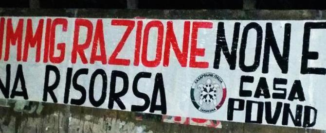 Immigrati, blitz pacifico di CasaPound contro la visita di Boldrini a Cagliari