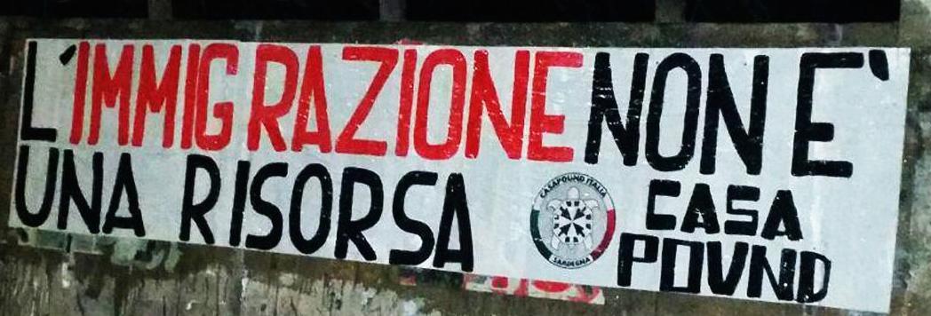 Uno degli striscioni affissi da CasaPound a Cagliari