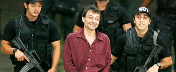 Cesare Battisti, l'Italia al Brasile: «Non è un rifugiato politico, ripensateci»