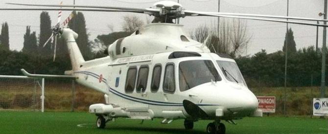 Sull'elicottero di Stato anche un deputato Pd: «Renzi chiarisca in aula»