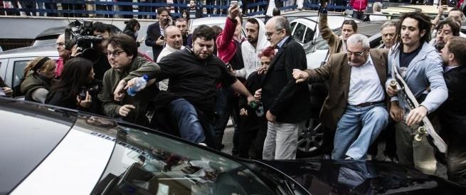 Funerali Priebke, il sindaco di Albano solidale con gli antifascisti a processo