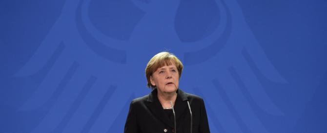 La Merkel con l'aquila del Terzo Reich. Fa discutere la vignetta dell'Economist