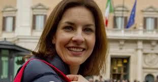 Renzi rimprovera la candidata Moretti: devi stare di più in tv…