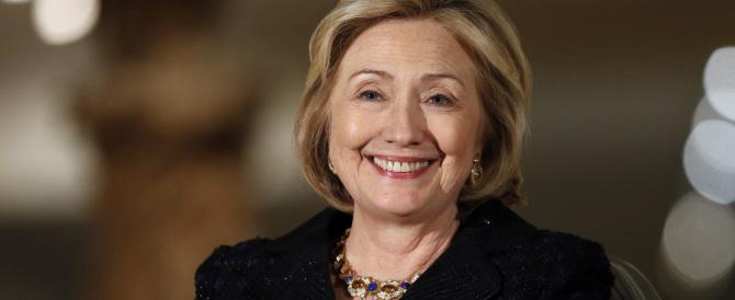 Un miliardo di dollari e sfumature rosa: Hillary pronta alla campagna elettorale