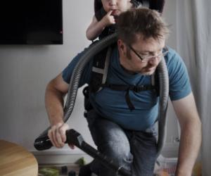 """Altro che """"genitore 2"""": ecco i padri quando restano soli coi figli…"""