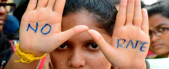 India, guru condannato per stupro: in strada scoppia la guerriglia urbana