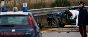 Rapina da far west a Napoli: un morto e 9 feriti. Arrestati due carabinieri