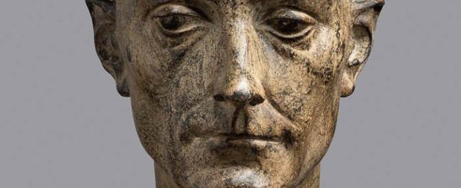 Ruba una statua da un museo fiorentino: «Stava meglio a casa mia…»