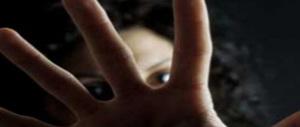 Il danno e la beffa: solo due anni al profugo molestatore di ragazzine