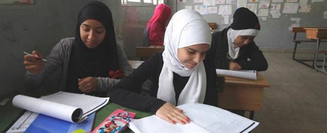 Eccone un'altra: le insegnanti possono indossare il velo islamico in classe