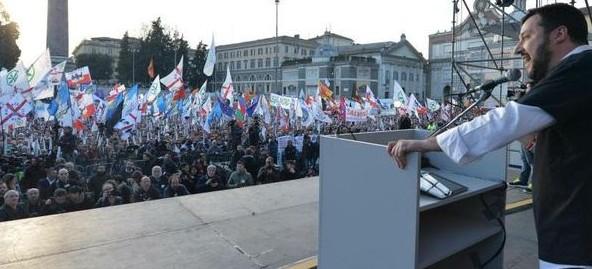 Roma, otto consiglieri municipali passano con Salvini. Ecco chi sono
