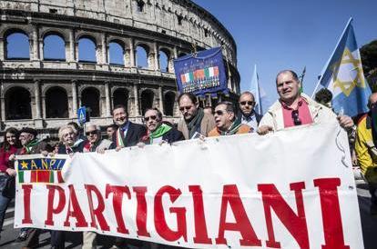 25 aprile a Roma, corteo a rischio: tra ebrei e filopalestinesi è ancora scontro