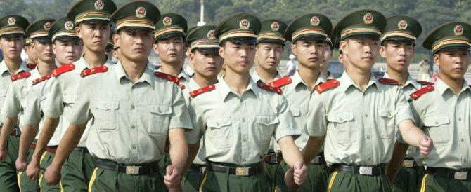 Niente adulteri, banchetti e partite a golf: nuovi divieti dal Partito comunista cinese