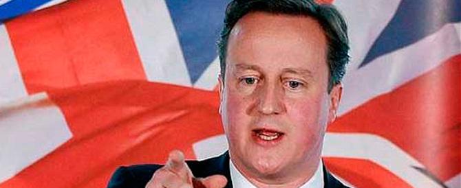 Londra sotto assedio: Cameron stenderà filo spinato anti-immigrati