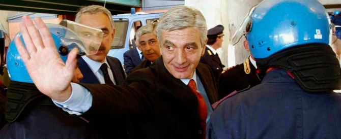 Diaz, Renzi blinda De Gennaro e dice sì al reato di tortura