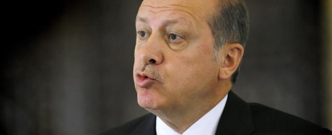 """Genocidio armeno, Erdogan """"avverte"""" il Papa: «Non ripeta questo errore»"""