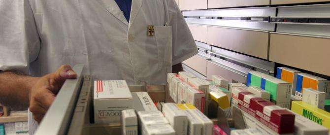 """«Gonfiati i costi delle medicine»: ditte farmaceutiche accusate dal """"Times"""""""