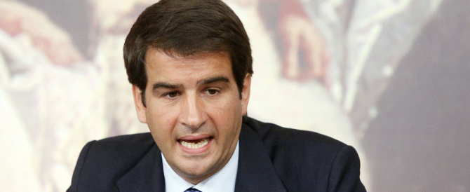 """Fitto contro Berlusconi: """"è chiuso in un bunker, il partito è senza regole"""""""
