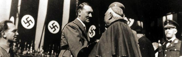 «Hitler voleva rubare la Sindone». Un libro racconta 100 storie sulla reliquia