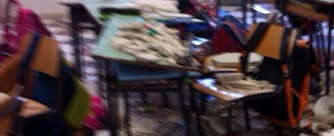 Ostuni, crolla il soffitto di una scuola: due bambini feriti. E il piano di Renzi?