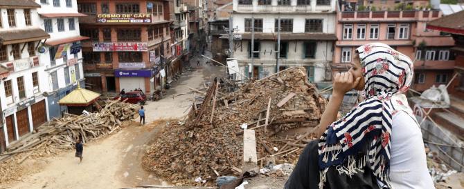 Nepal, un neonato estratto vivo dalle macerie. Tornano a casa 2 italiani