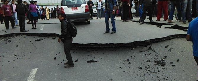 Apocalisse in Nepal, forse 10mila vittime: 4 italiani morti e alcuni dispersi