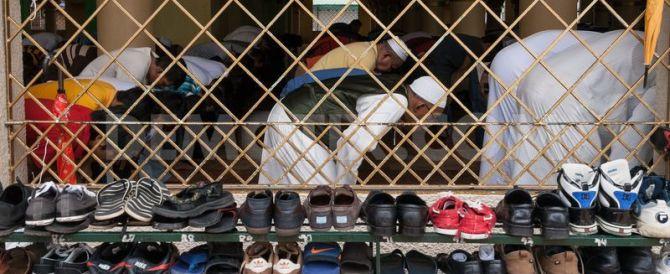 Chi indossa le Nike rischia la lapidazione: l'ultima follia dell'Isis