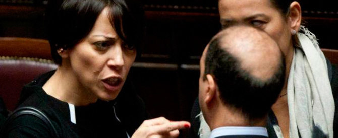 """La De Girolamo """"punge"""" Alfano : «Ora canta meno male che Renzi c'è…»"""