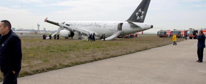 Aereo in fiamme: atterraggio d'emergenza del volo Milano-Istanbul