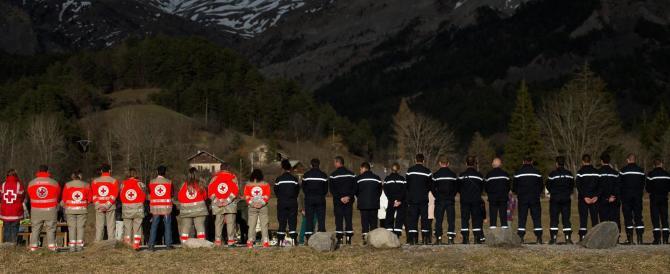 """Germanwings, Lubitz cercò su Google """"suicidio"""" e """"porte della cabina"""""""
