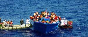 Spari al largo della Libia, Frontex svela: «Sono stati gli scafisti»