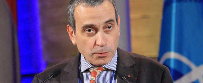 """Ambasciatore gay, Hollande vuole farne una """"bandiera"""". Il Papa lo gela"""
