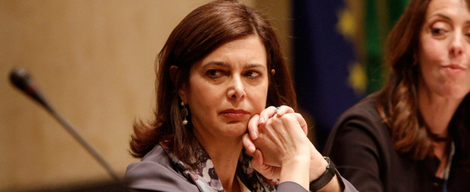 Incredibile Boldrini: cristiani gettati in mare? Allah non c'entra…