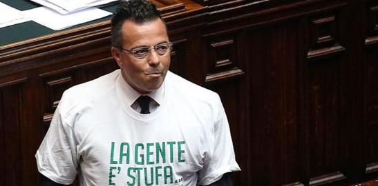 """Il Pd fa la """"spia"""": «Buonanno parla male dei rom, Bruxelles intervenga»"""