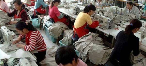 """Operazione """"Lavoro sicuro"""": a Prato irregolari 7 aziende cinesi su 10"""