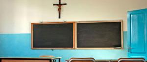 Tolse il Crocifisso dalle aule, sospeso il professore iconoclasta