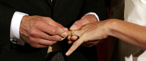 Il divorzio breve è legge, la Meloni vota no: «Contraria ai matrimoni usa e getta»