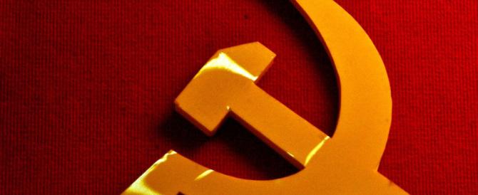 Comunismo uguale nazismo: la legge approvata in Ucraina ci riporta a Nolte