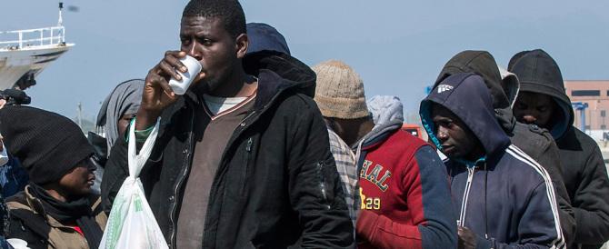 Immigrazione, Lombardia e Veneto si ribellano: qui non c'è più posto