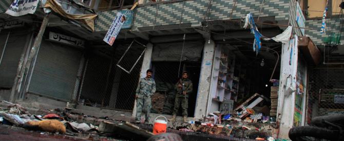L'Isis rivendica l'attentato di Jalalabad: «Il kamikaze è uno dei nostri»