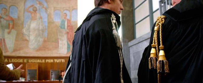 Non c'è più Berlusconi ma i magistrati sono gli stessi: guerra al governo