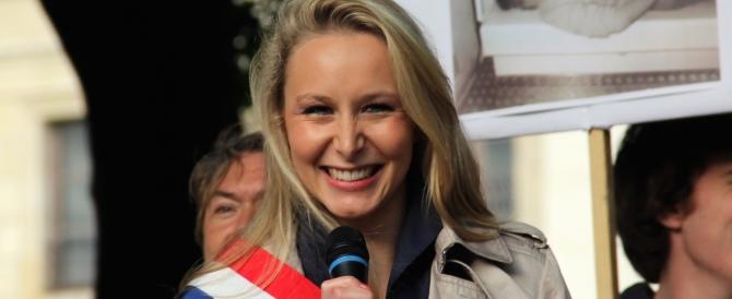 Marion Le Pen si candida al posto del nonno e dice: «Attenti, vi faremo male»